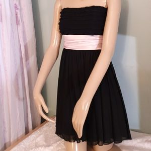 Short Black dress with pink lace Speechless